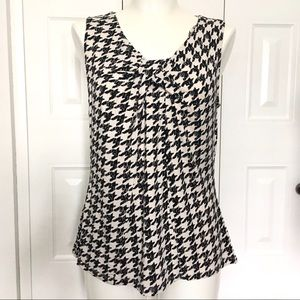 Tops - Houndstooth check sleeveless top